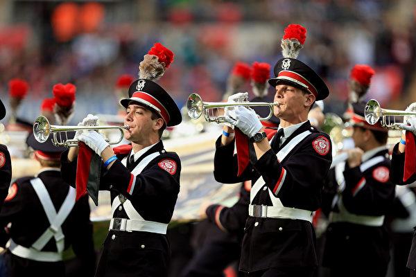 美管樂隊瞬間走位排列圖案 紀念登月50年