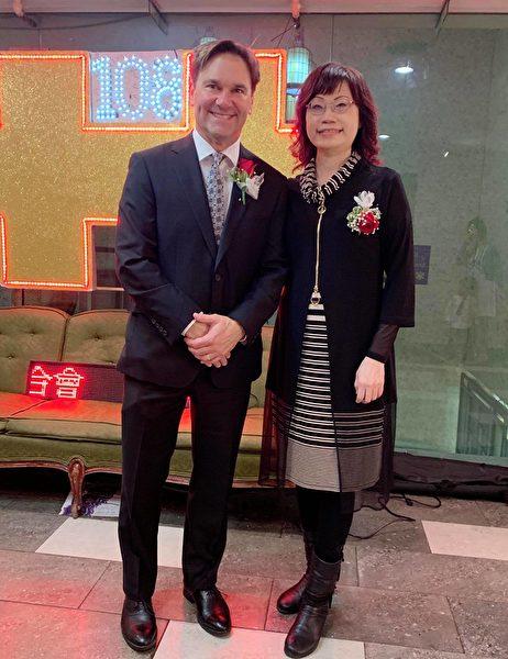 圖:溫哥華舉辦「中華民國建國108年雙十國慶晚宴」,近千位台灣僑胞、政商名流及各國代表齊聚一堂。(邱麗蓮提供)