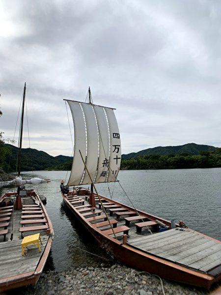 搭乘即将消失的舟母船,尽览四万十川之美。