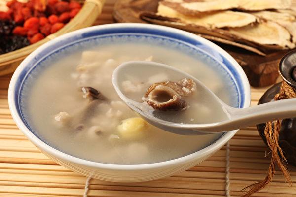 四神汤有健脾开胃、稳血糖、祛湿气、美容等功效。(Shutterstock)