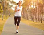 在吃早餐前先運動,可以延緩體重增加。(Shutterstock)