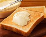 血液中反式脂肪含量較高的人,罹患失智症風險增高。(Shutterstock)