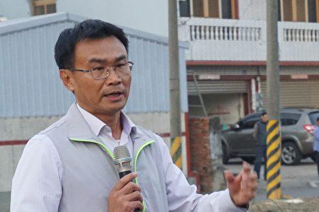 農委會主委陳仲吉21日再下鄉了解政府保價收購情形