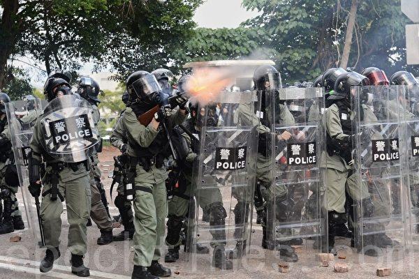 警察闖入校園狂轟濫捕 香港局勢升溫