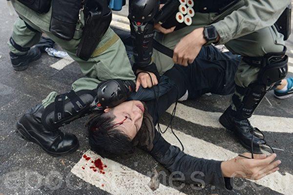 中文大学宛如战场 港警疯狂闯校或有原因