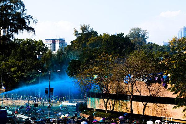 警方攻打围困理工大学 拘捕1377人