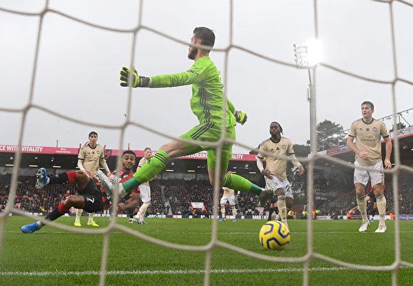 英超第11轮,曼联在客场0:1不敌伯恩茅斯