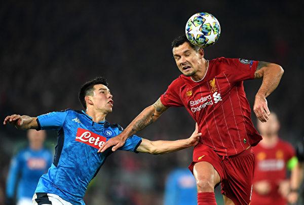 歐冠小組賽第五輪,衛冕冠軍利物浦主場1:1戰平那不勒斯