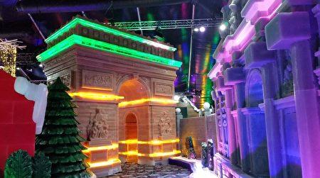 穆迪花园Moody Gardens今冬将继续举办冰雕展,图为冰雕展上的凯旋门。