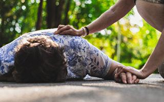 癫痫发作典型症状是浑身抽搐,应该如何正确处理?(Shutterstock)