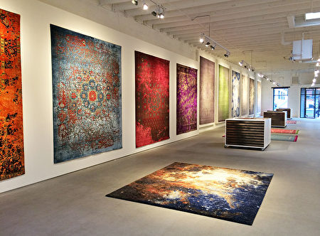 Jan Kath,过去25年来全球最传奇的地毯设计师之一。Jan Kath设计的地毯在纽约、柏林、温哥华、多伦多等全球9个城市设有展示厅。