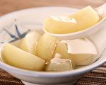 民间有许多咳嗽偏方,可以帮助止咳,但要对症使用才有效。(Shutterstock)