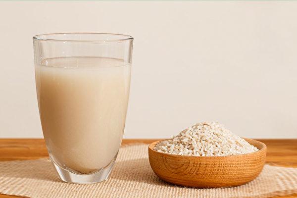 哪些植物奶可以作为牛奶替代品?(Shutterstock)
