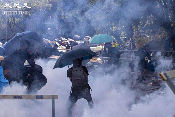 """【翻墙必看】香港""""中大保卫战""""扣人心弦"""