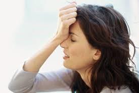 依头痛的部位可将头痛分为前额头痛(阳明头痛)。