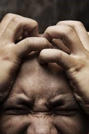 依頭痛的部位可將頭痛分為全頭痛。
