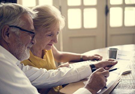 在美国62岁领取社安福利的三个原因