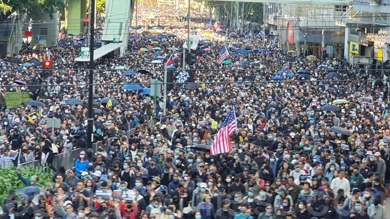 【12.8反暴政組圖】國際人權日 港人大遊行爭訴求