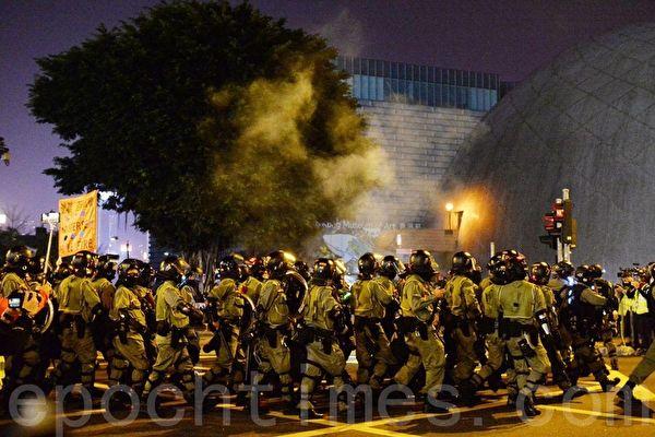 香港圣诞催泪弹肆虐 检测报告揭政府谎言