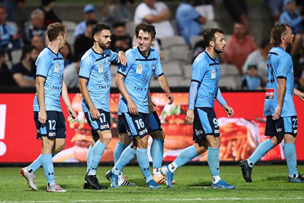 澳洲A聯賽第9輪,悉尼隊以5:1大勝布里斯班獅吼隊