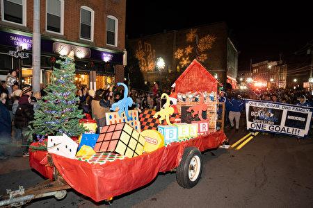 2019年11月29日纽约米德尔敦市圣诞点灯游行。
