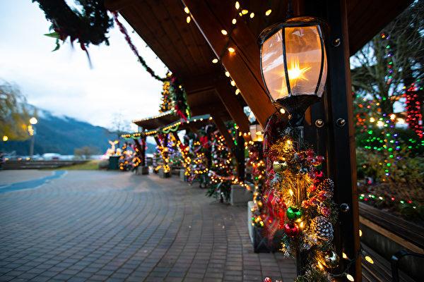 11月23日至2020年1月12日,哈里森溫泉美麗的冬季——湖畔燈光節登場,湖畔燈光夢幻璀璨。