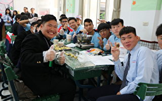 日本石山高校访六和高中  体验台湾文化尝小吃