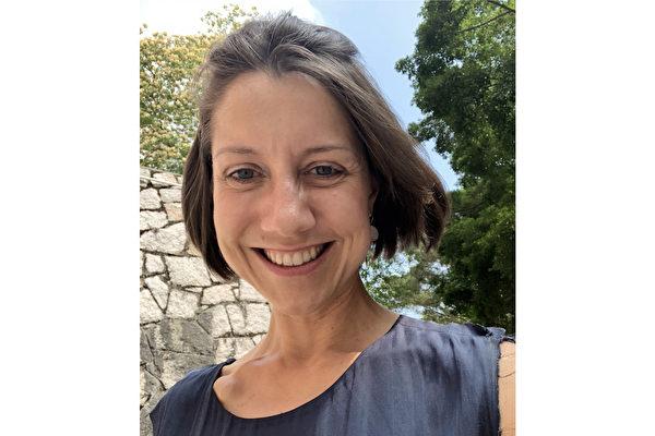 英国女子海伦·斯科特(Helen Scott)三年前获知自己罹患晚期胆管癌,但她从未放弃。(Helen Scott提供)