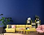 油漆是讓屋子改頭換面最簡單的方式。如果,你最近正要挑選油漆的顏色,別錯過專家分析的2020年室內設計色彩趨勢。(shutterstock)