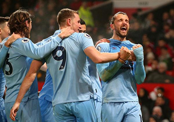 英超第24輪,伯恩利在客場2:0擊敗曼聯