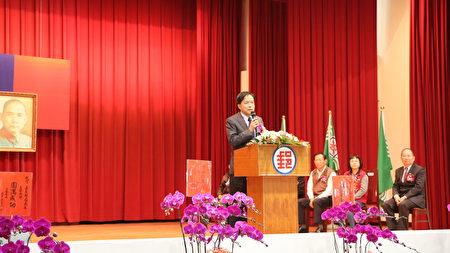中華郵政公司副總經理周瑞祺詳細介紹新舊任局長的專長、能力及二位對郵局的貢獻等,周瑞祺對事物的看法及敍述能力令人佩服。