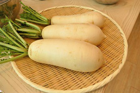 家传萝卜糕采用当季的梅花水嫩白萝卜制作。