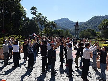 南投县政府鼓励民众多走出户外踏青,增强免疫力。