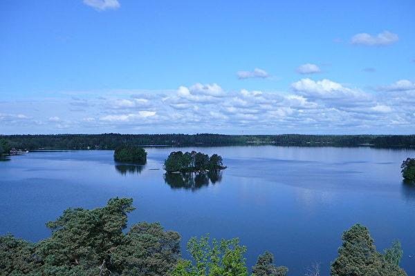 美高中畢業戒指遺失 47年後驚現芬蘭森林