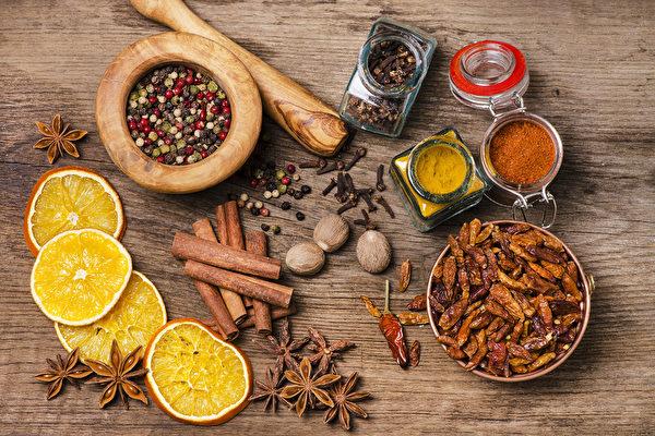 古人们千百年来的养生智慧,告诉我们可以用香料、香草来提升免疫力。(Fotolia)