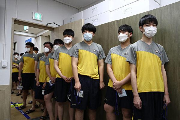 中共肺炎延烧 中国学生无法参加SAT等考试