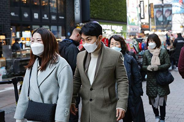 中共肺炎疫情在全球升温,韩国、日本、意大利确诊病例都迅速增加。 (Chung Sung-Jun/Getty Images)