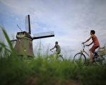 骑车发手机信息 2.1万的荷兰人被罚