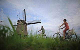 騎車發手機信息 2.1萬的荷蘭人被罰