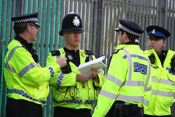 外送員被抓 英國警察替他送餐給訂戶