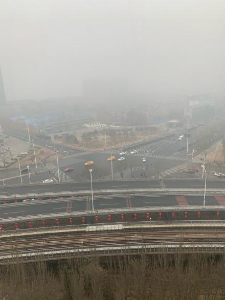 2月13日,北京的阴霾天气。(网络图片)