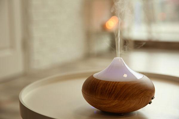 水氧机是常见的精油扩香器材,不过使用时会使空气湿度增加。(Shutterstock)
