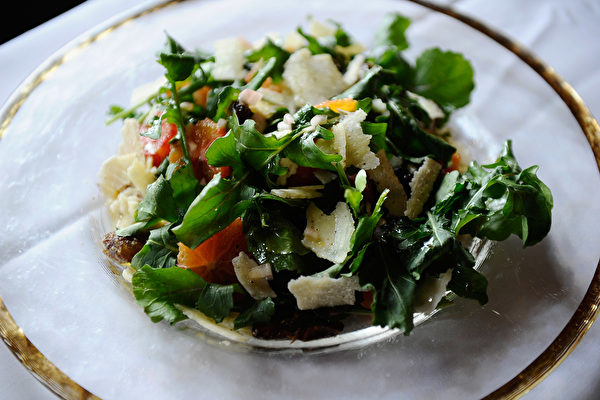 【食物名字藏玄机】芝麻菜为什么叫火箭生菜?