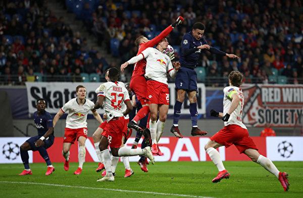 欧冠1/8决赛进行了次回合