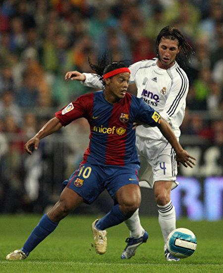 巴西球星罗纳尔迪尼奥(Ronaldinho)
