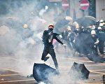 中共被曝曾出动4千武警到香港反送中前线