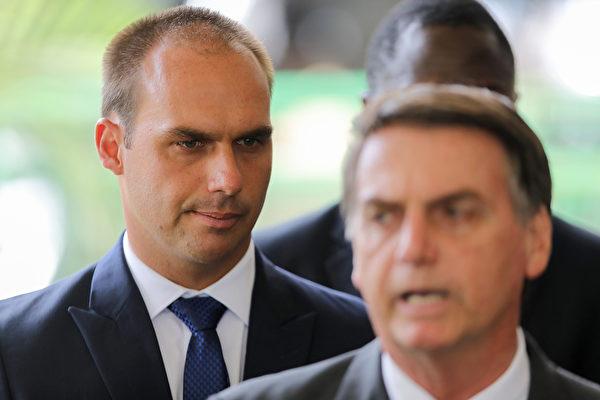"""巴西总统之子舌战中共 """"独裁""""导致疫情传播"""