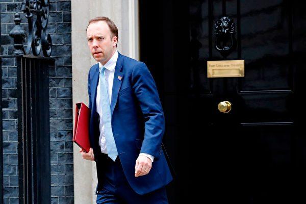 英国首相患中共肺炎后 卫生大臣也确诊