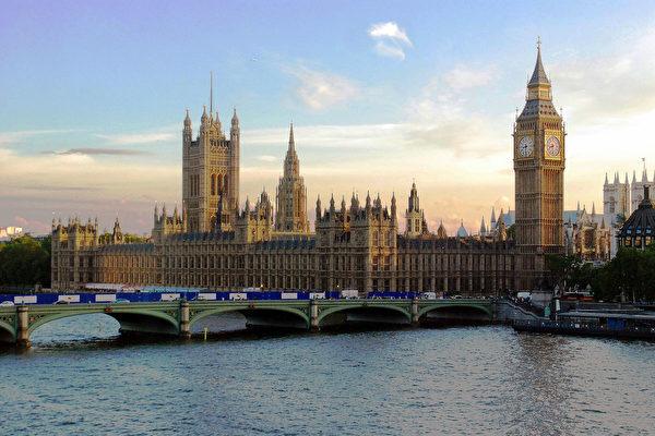 英国中共肺炎死亡数破千 三内阁成员自我隔离