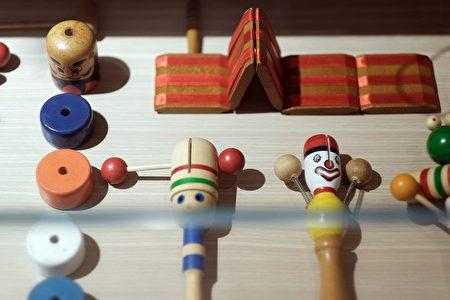 連假來文創園區放風,讓孩童從體驗玩樂中學習,更讓樂齡長者重拾童年回憶。